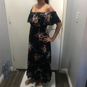 Navy floral off the shoulder maxi dress - Small